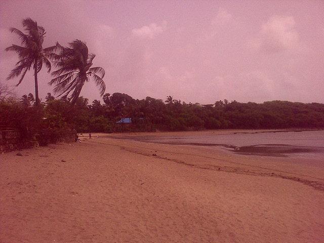 madh-island-beach