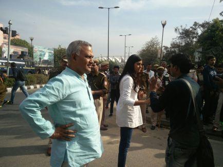 आप नेता सोमनाथ भारती और अलका लांबा (फोटो-ट्वीटर)