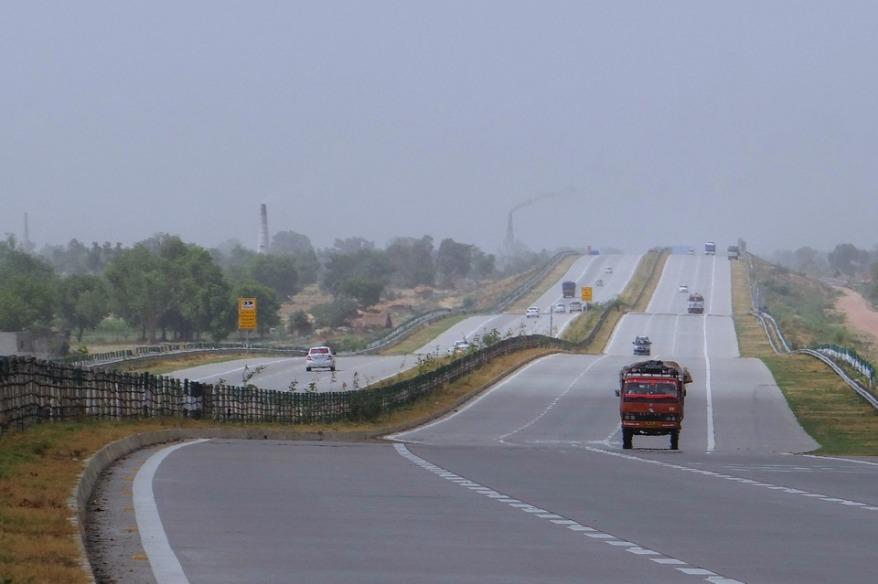yamuna-expressway-385352_960_720