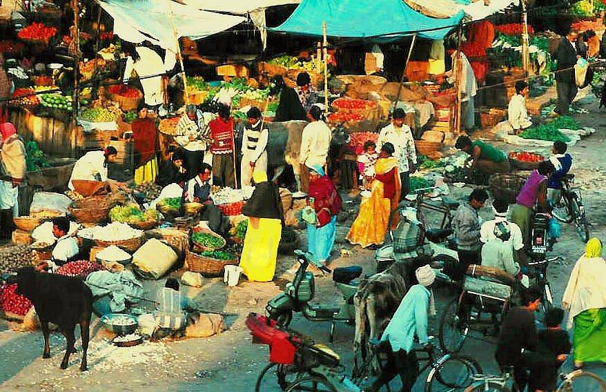 market-in-an-indian-village-1513370